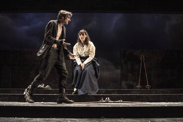 """Solveig (Antonia Scharl) liebt Peer Gynt. Doch er sagt bloss: """"Warte auf mich."""""""