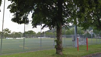 Der Sportplatz Flüeli wird saniert. (Archiv)