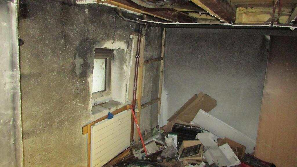 Sachschaden bei Brand in Reihenhaus in Netstal