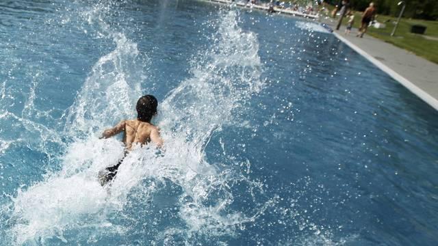 Die Behindertenorganisation Procap nahm Schwimmbäder unter die Lupe (Symbolbild)