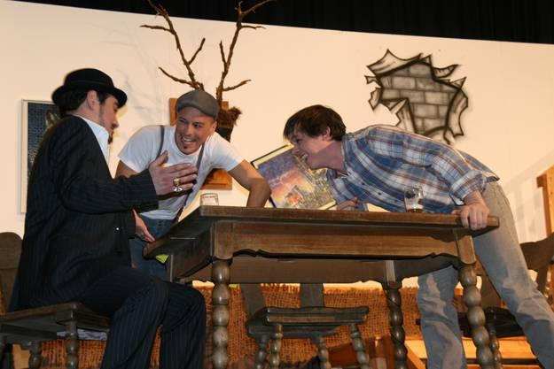 Eddi (Mario Noetzli), Klaus (Matthias Haag) und Gabriel (Andreas Glück) v