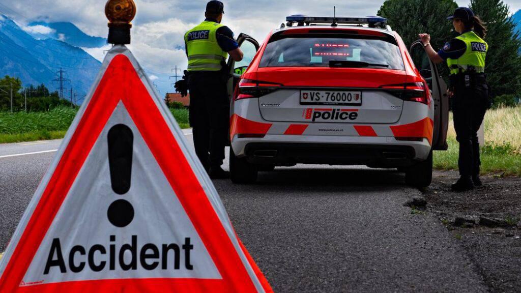 Wallis: Motorradfahrer nach Sturz verstorben