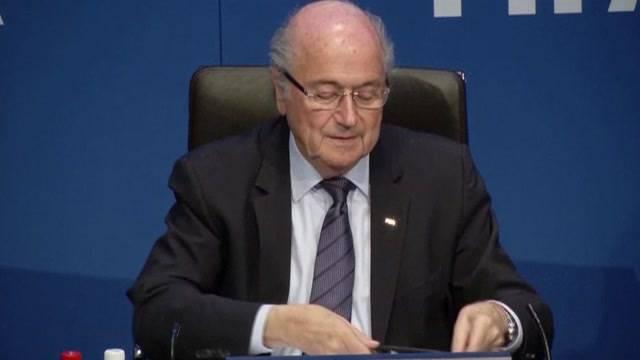 Sepp Blatter stellt sich den Medien