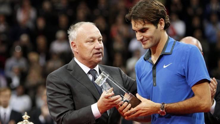 Roger Brennwald und Roger Federer an den Swiss Indoors 2012.