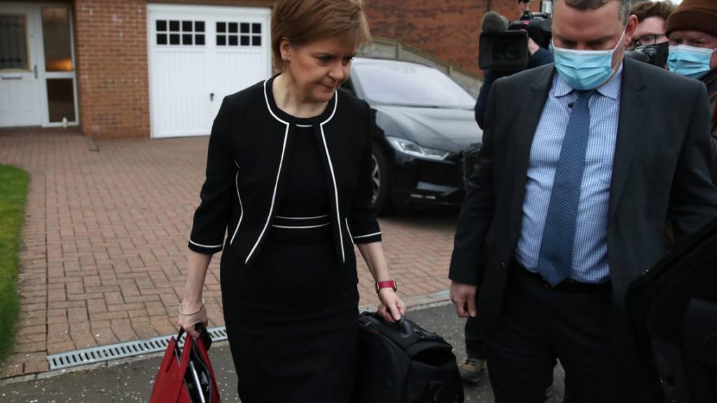 Schottlands Regierungschefin Nicola Sturgeon trotzt den Vorwürfen eines Ausschusses des schottischen Parlaments. Foto: Andrew Milligan/PA Wire/dpa