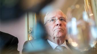 Christoph Blochers öffentliche Kritik an Sebastian Frehner finden längst nicht alle Parteikollegen in Ordnung.
