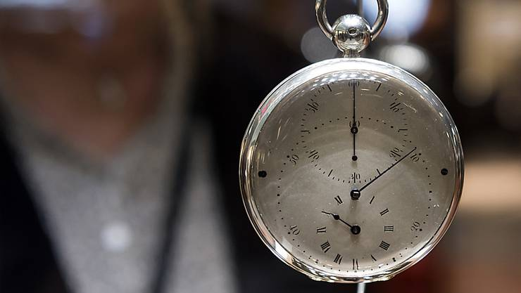 Die Messebetreiberin MCH muss mit der Zeit gehen. Die Strategie wird auf den Prüfstand gestellt und das Konzept der Uhrenmesse «Baselworld» überarbeitet. (Archivbild)