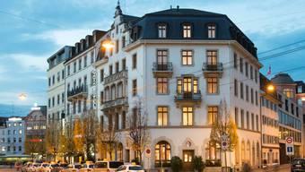 Das Gaia Hotel am Basler Bahnhof SBB sucht einen Nachmieter für die McDonald's-Filiale.