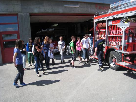 Das Tanklöschfahrzeug war für die Schülerinnen und Schüler ein Highlight