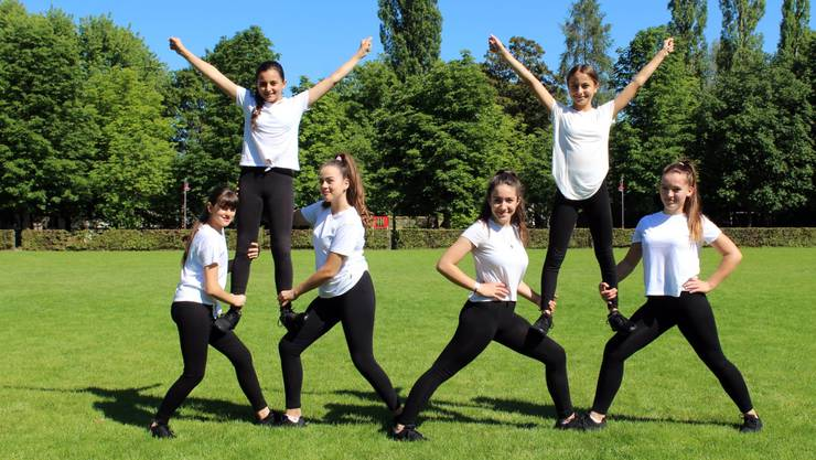Cheerleaders bei FC Juventina Wettingen