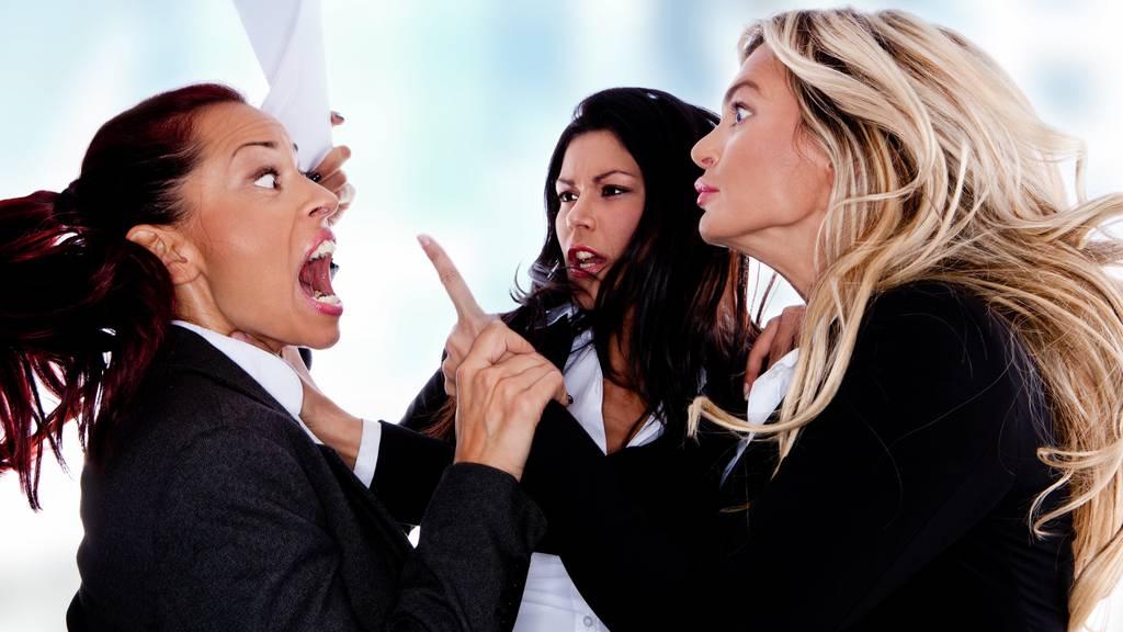Der Streit zwischen den drei Frauen eskalierte. (Symbolbild)