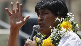 Ein viertes Mal wollen die Bolivianer ihren Präsidenten Evo Morales offenbar nicht - das Referendum scheint er zu verlieren.