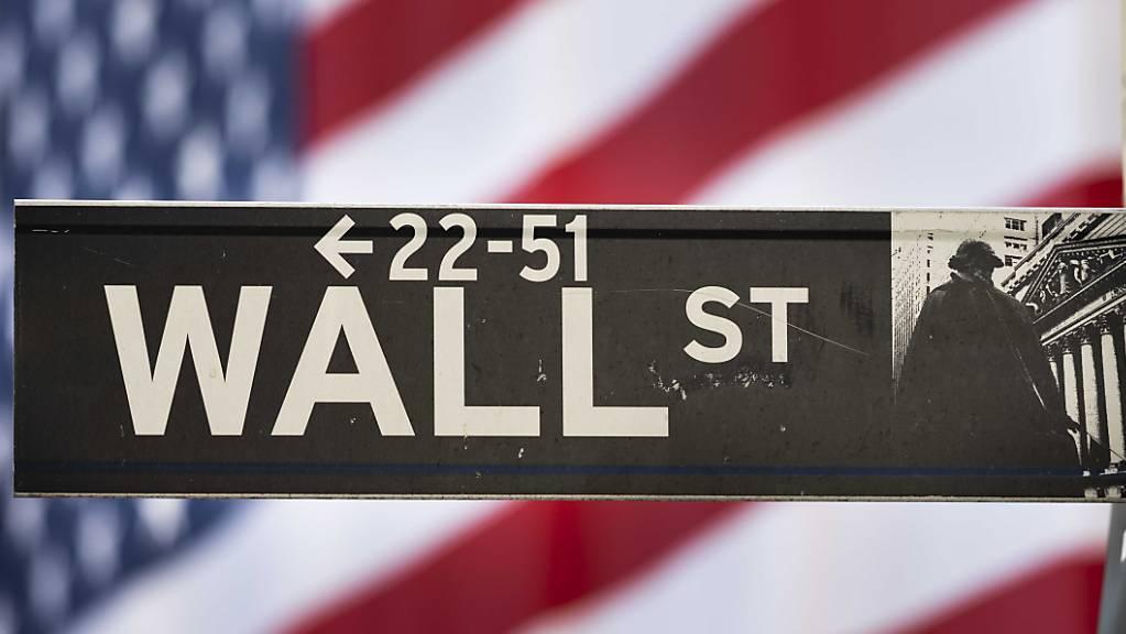 Der Dow Jones Industrial hat am Dienstag erstmals in seiner Geschichte die Marke von 30 000 Punkten übersprungen. (Archivbild)