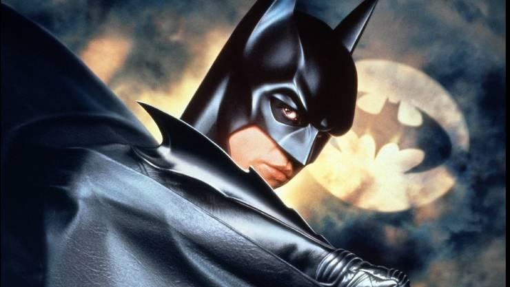 Val Kilmer mimt in «Batman Forever» von Joel Schumacher aus dem Jahr 1995 einen kompromisslosen Rächer.