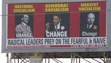 Das umstrittene Plakat der Tea Party: Obama flankiert von den Diktatoren Hitler und Lenin