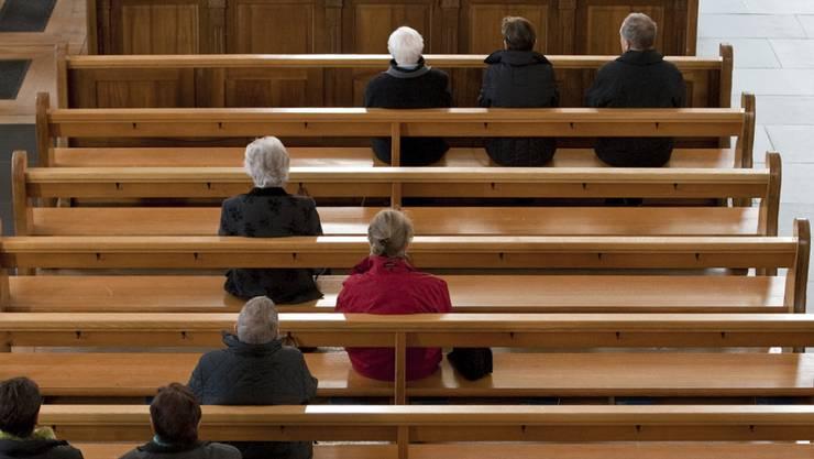 Gelockerte Reihen: Die Zahl der Kirchenaustritte ist in vielen Kantonen gestiegen. Betroffen sind die Reformierte und auch die Römisch-Katholische Landeskirche. (Symbolbild)