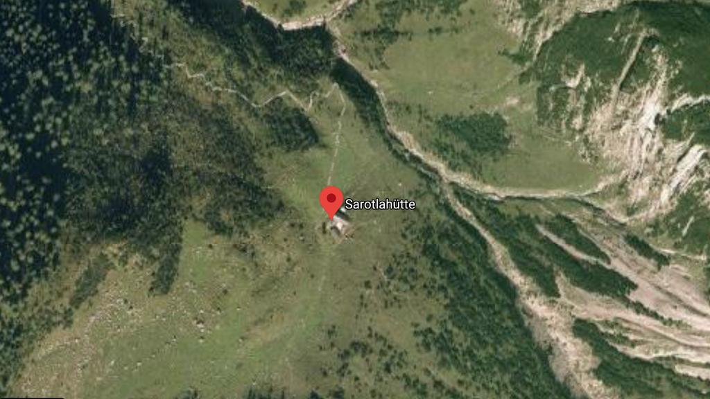 Gefrorene Männer-Leiche in Berghütte aufgefunden