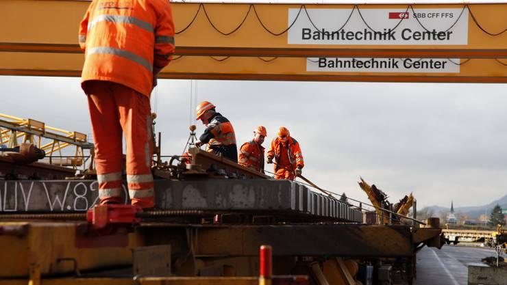 175 Personen sorgen im Bahntechnik-Center in Hägendorf dafür, dass der SBB nie die Schienen ausgehen. Dahinter steckt eine ausgeklügelte Logistik-Leistung.