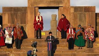 Boliviens Präsident Evo Morales in Tiahuanacu während der Feier seines Amtsrekords