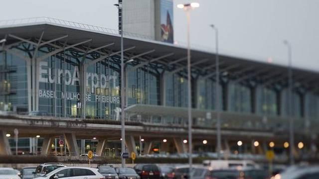 Der EuroAirport Basel-Mülhausen wird bei Fluggästen immer beliebter (Archiv)