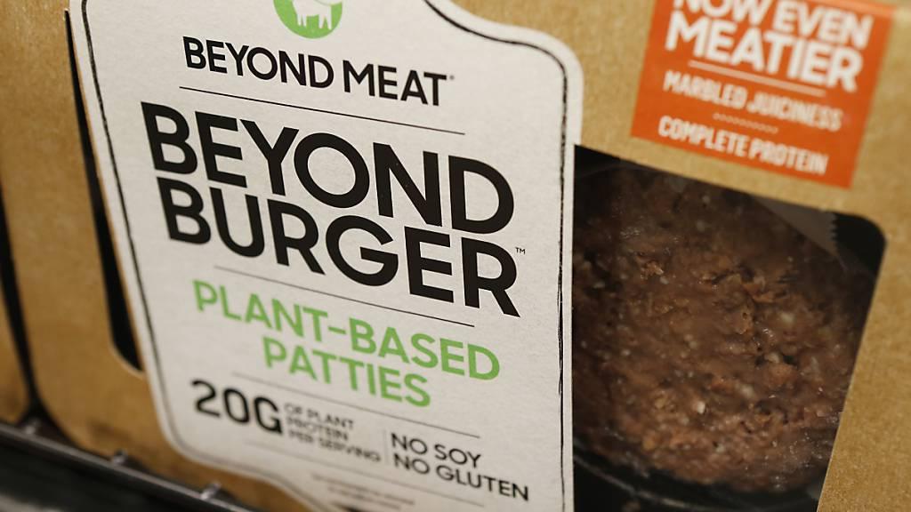 Der Konsum von pflanzenbasierten Burgern oder veganem «Poulet-Geschnetzelten» dürfte in den kommenden Jahren noch zunehmen. (Archivbild)
