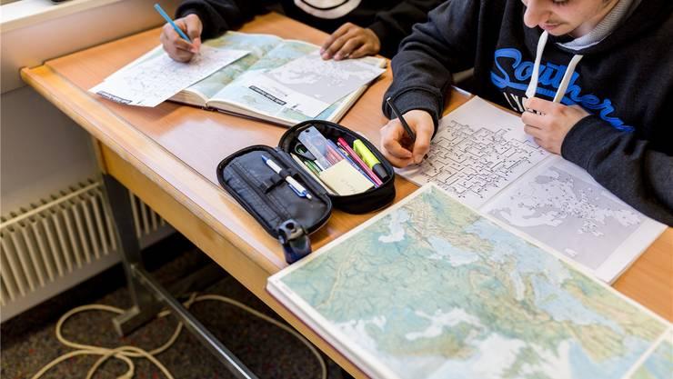 Das Fach Berufsorientierung bietet etlichen Sek-B-Schülern zu wenig Unterstützung. Sie sind auf Brückenangebote angewiesen.Symbolbild/az
