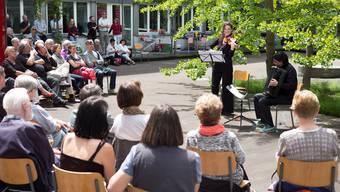 «Mittagsmusik am Gleis1»: Das 200. Konzert mit Goran Kovacevic, Akkordeon und Monica Tarcsay, Violine, begeistert das Publikum.