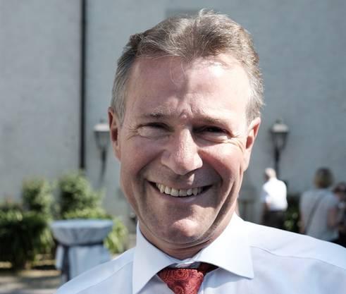 Digital gefordert: Der Chef der Neuen Aargauer Bank ist ein Stammgast an der GV der AZ Medien. Peter Bühlmann war schon das 14. Mal dabei. Er sieht übrigens Parallelen zwischen dem Bank- und Verlagsgeschäft: «Beide sind extrem betroffen von der Entwicklung der Digitalisierung.»