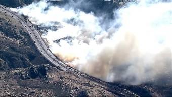 Die Brände sind laut Feuerwehr die schlimmsten in der Geschichte des Bundesstaats Kalifornien. Eine Entspannung der Lage ist derzeit nicht in Sicht.