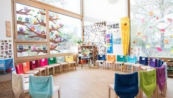 Eröffnung umstrittener Kindergarten in Büren a. A.