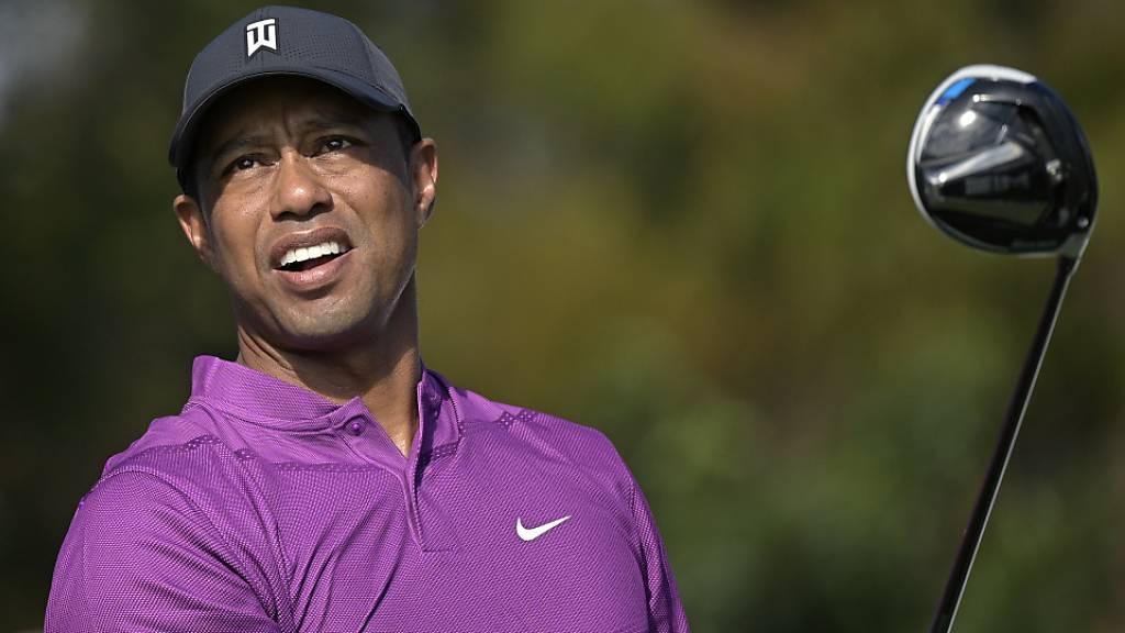 Tiger Woods pausiert