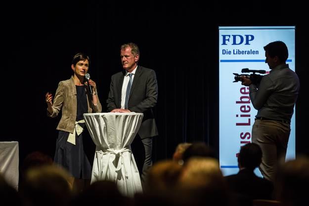 Kandidatin Maja Riniker mit Regierungsrat Stephan Attiger.