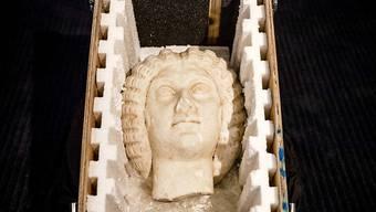Die gestohlene Büste der Kaiserin Julia Domna ist am Freitag von der Niederlande an Italien zurückgegeben worden. Ein Paar hatte versucht, sie bei einer Auktion zu verhökern.