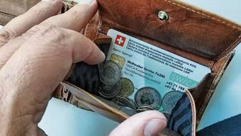 Im Kanton Zürich steht nächstes Jahr fast eine Milliarde Franken für die Individuelle Prämienverbilligung bei der obligatorischen Krankenversicherung zur Verfügung. (Symbolbild)