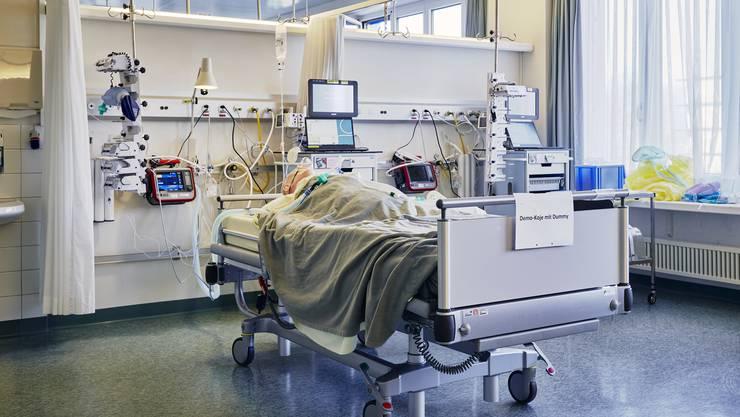 50 Patienten müssen künstlich beatmet werden. Am Vortag waren es 52 Personen.(Archivbild)
