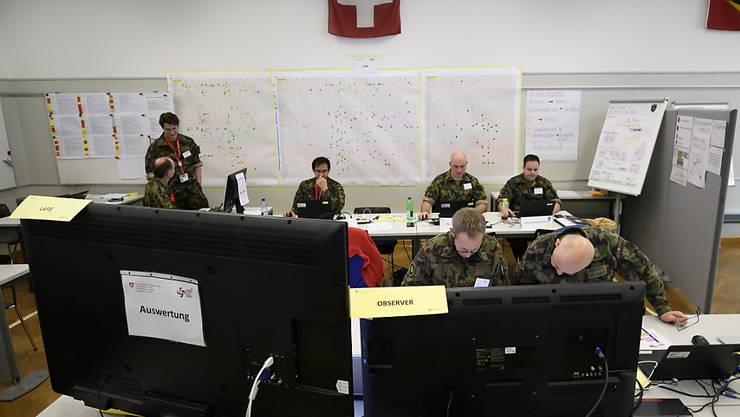 Die Sicherheitsbehörden übten im vergangenen November einen Terror-Ernstfall. Der Schlussbericht ortete Mängel im Krisenmanagement. Diese will der Bundesrat nun angehen. (Archivbild)