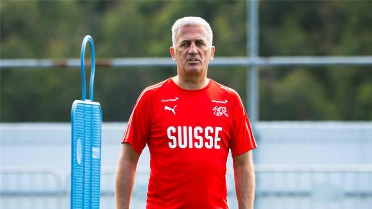 Trainer Vladimir Petkovic beim Nationalteam-Training in der Nähe von Porto.