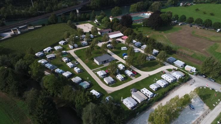 Drohnen-Ansicht vom Camping Wiggerspitz in  Aarburg AG.