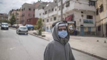 Marokko hat seine Grenzen selbst für Marokkaner gesperrt. Migranten, die aus Europa zurückkommen, bleiben an der Grenze hängen. (Bild: Keystone)