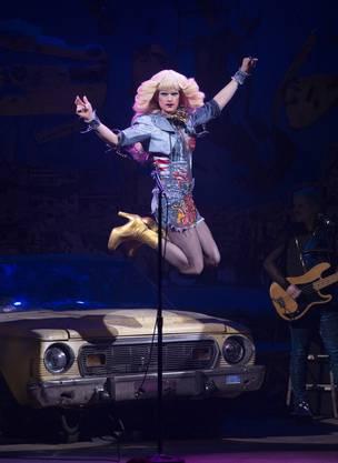 «Weit mehr als fabelhaft» sei die Leistung von Neil Patrick Harris in «Hedwig and the Angry Inch».