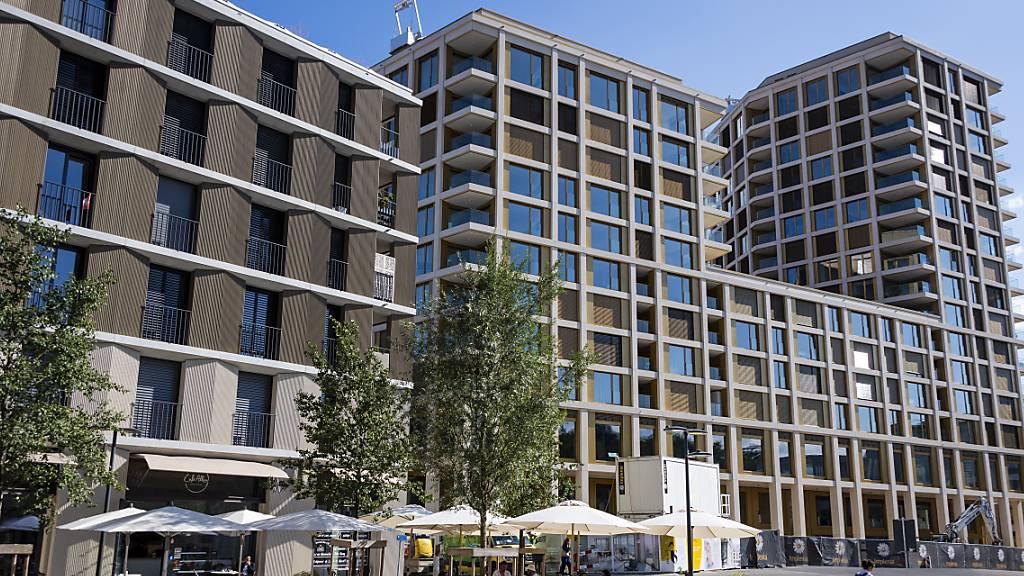 Preise für Stockwerkeigentum auf Rekordhöhe, Wohnungsmieten sinken