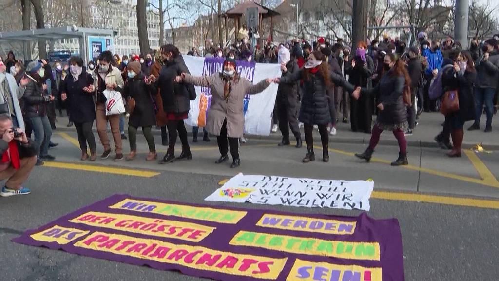 Freie Bahn für Demonstrationen