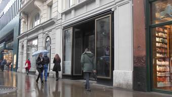 Ladenlücke an der Zürcher Bahnhofstrasse: Wo einst das traditionsreiche Spielzeuggeschäft Franz Carl Weber war gibts bald richtige Autos.