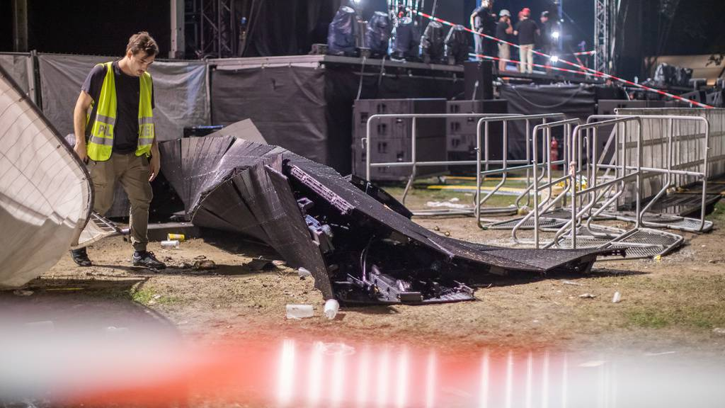 Videowand kippte bei Konzert um – 20 Verletzte