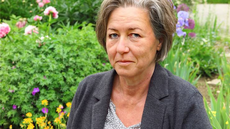 Petra Hofmann hat Germanistik, Linguistik und Philosophie studiert und lebt seit 1996 in Rodersdorf.Edmondo Savoldelli