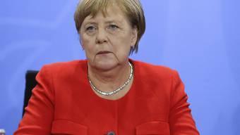 Die deutsche Kanzlerin Angela Merkel hat im Streit über die Zukunft von Verfassungsschutz-Präsident Hans-Georg Maassen einen Lösung an diesem Wochenende in Aussicht gestellt.