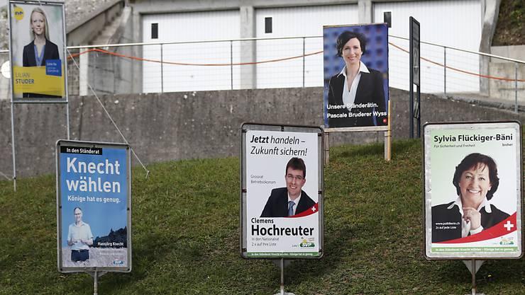 Wahlplakate hin oder her: Die Frauen waren in der Berichterstattung vor den Wahlen 2015 in den Medien unterrepräsentiert. (Symbolbild)