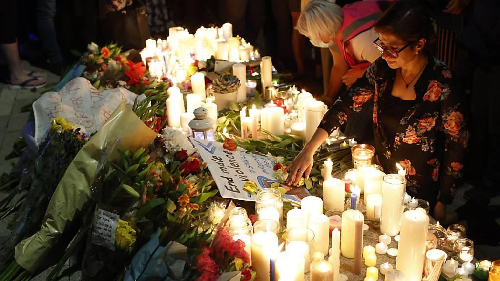 Hunderte bei Mahnwache für getötete Frau in London