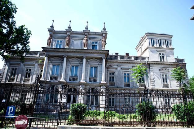 Hier verbrachte Prinzessin Elisa ihre Kindheit: Das neoklassizistische Palais Stirbey von 1835 am Prachtboulevard Calea Victoriei in Bukarest.