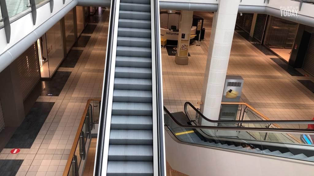 Ausgestorbenes Shopping-Center in Emmen